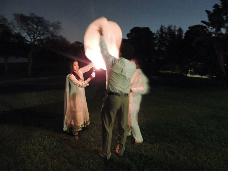 Setting off Sky Lanterns for Well Wishes